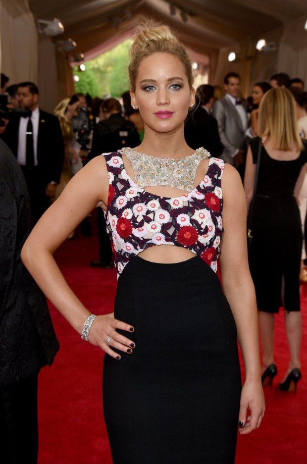 Jennifer-Lawrence-Dior-Dress-Met-Gala-2015