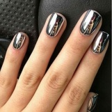 gleaming-metallic-nails
